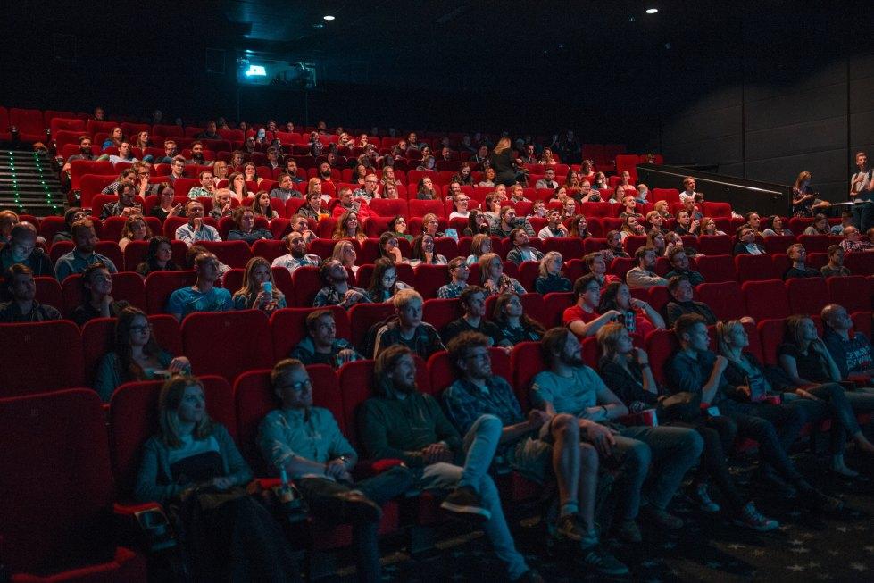 Dos o tres boletos de cine equivalen a la suscripción mensual de una plataforma de streaming.